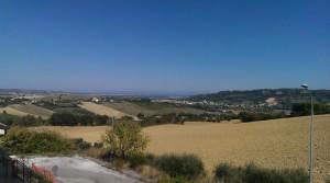 Porzione di villa bifamiliare grezza in zona panoramica a Montegranaro