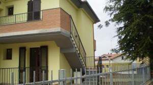 Appartamento in bifamiliare a schiera a Castelfidardo zona servita e tranquilla
