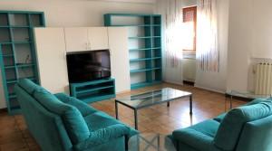 Appartamento con soffitta abitabile collegata a Recanati zona semi centrale