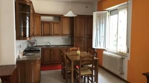 Appartamento a Montecosaro scalo con soffitta e ampio orto