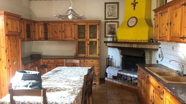Casa indipendente a Villa Musone da ristrutturare