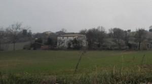 Casale a 3 Km dal centro di Fermo