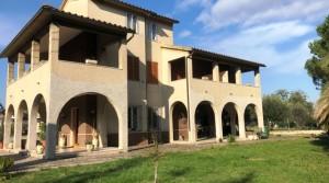 Casa indipendente con ampio parco a Loreto